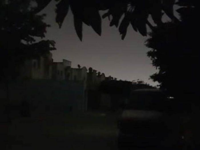 Sinaloa | De nuevo vecinos del sector norte viven larga noche; se les va la luz
