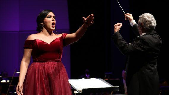 Hasta $270 mil en premios para cantantes de ópera