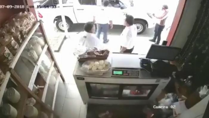 Asesinan a aguacateros en Michoacán