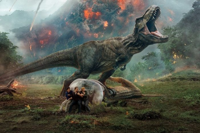 Jurassic World casi alcanza los 1000 mdd en taquilla