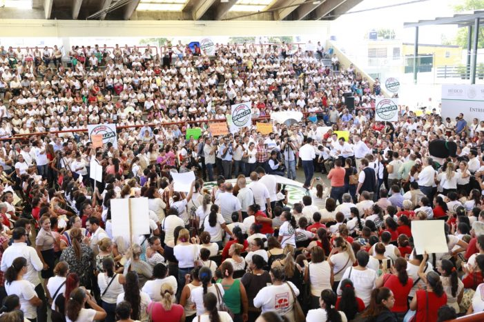 Sinaloa | Entregan pólizas de Seguro Popular