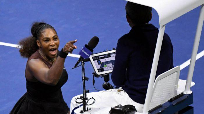 ¡Serena, morena! La Williams utiliza erróneamente bandera del feminismo
