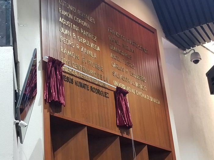 Con letras doradas inscriben nombre del Dr. Kumate en el Congreso de Sinaloa