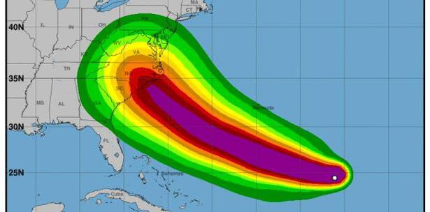 El huracán, más amenazador en años, se acerca a las costas de Estados Unidos