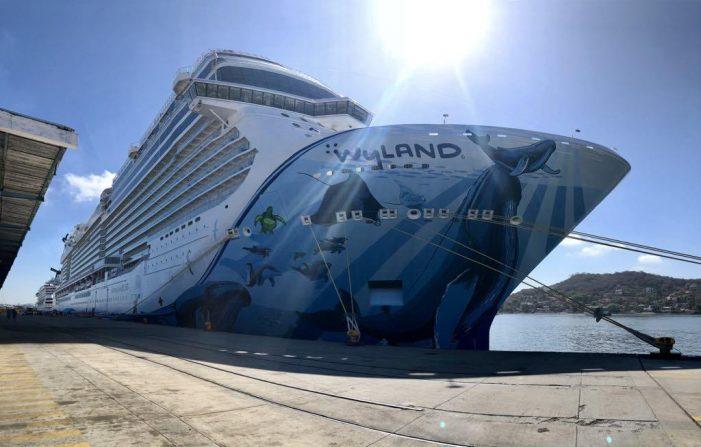 """Por """"Willa"""", dos cruceros """"le sacan"""" a Mazatlán"""
