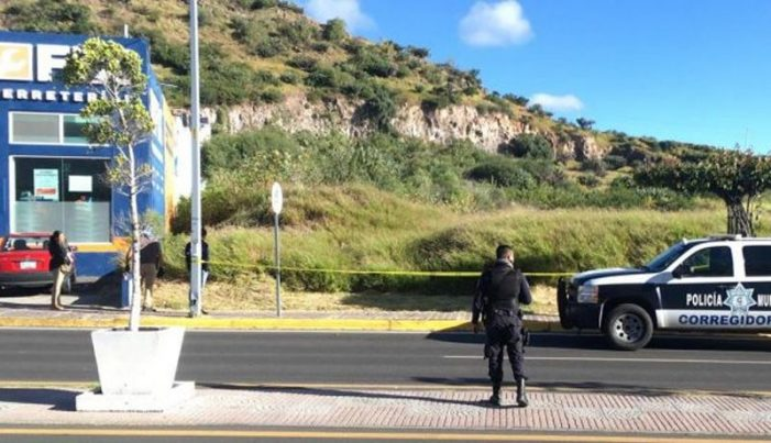 Mujer muere con bebé en brazos en Querétaro