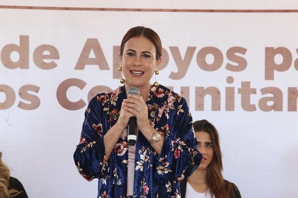 Rosy Fuentes se reúne con las nuevas presidentas de DIF Municipales