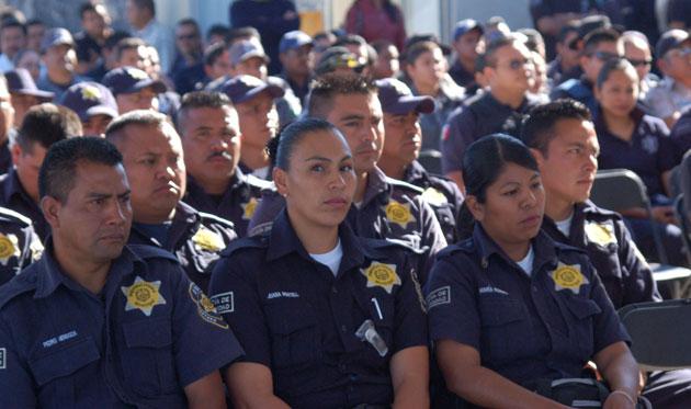 Luis Nava encabeza celebración del Día del Policía