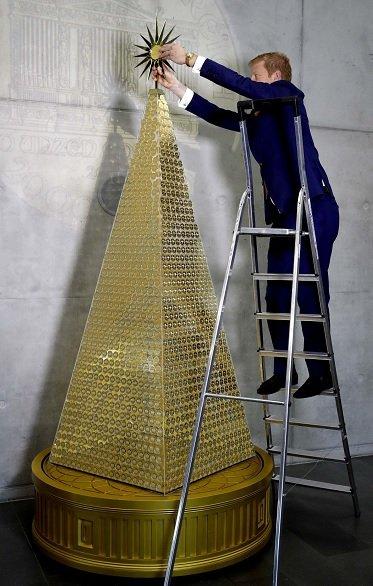 ¿Te imaginas un árbol de navidad de oro?