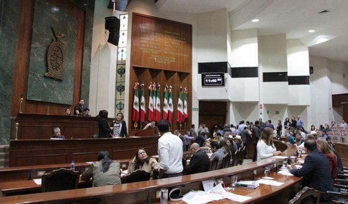 Morena actuó arbitrariamente en el Congreso dice PRI Sinaloa, y criticó a sus asesores por beber en el recinto