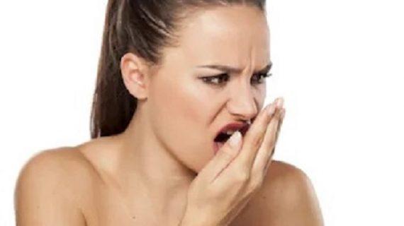 Advierten que mal aliento puede ser causa de una enfermedad