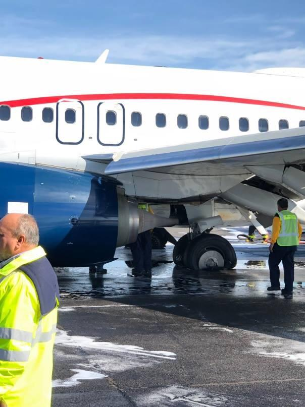 Desalojan avión de Aeroméxico por ponchadura del tren de aterrizaje