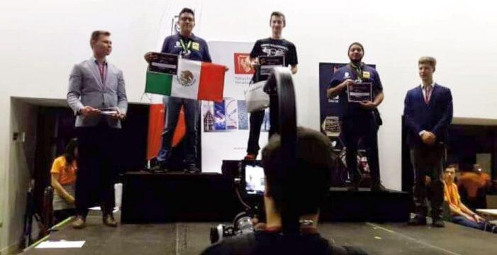 Ganan estudiantes del Tec Nacional segundo y tercer lugar de robótica en Polonia