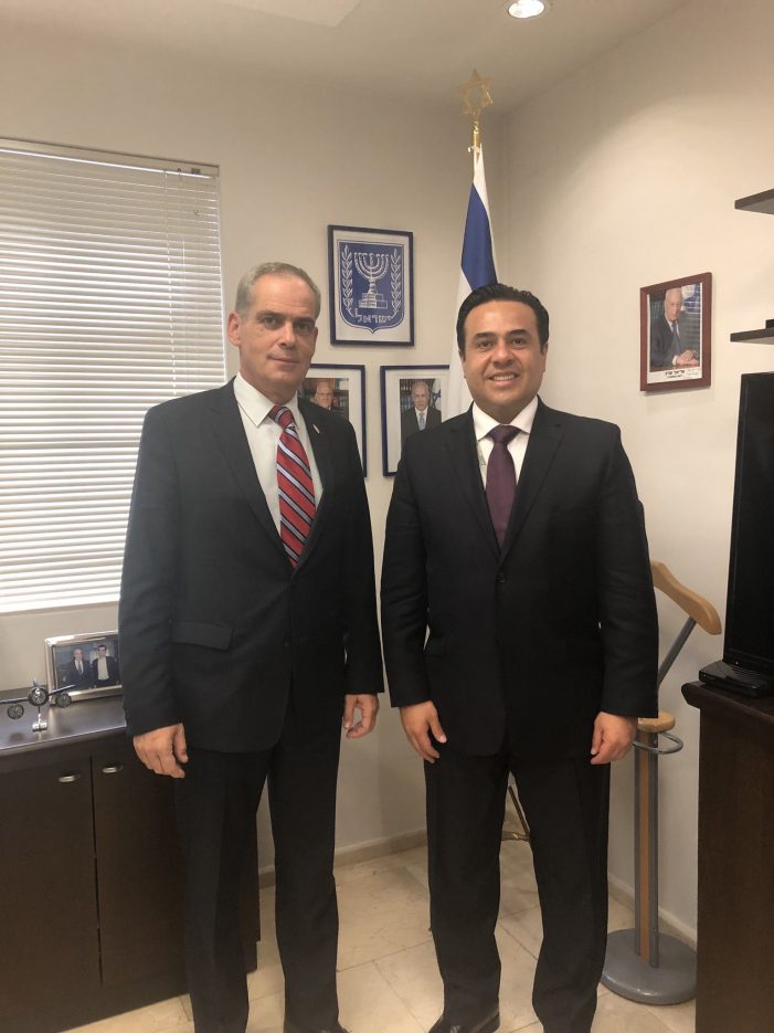 Luis Nava se reúne con embajador de Israel