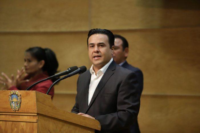 Tú Beca incluirá este año a taxistas: Luis Nava