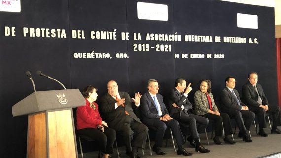 Pancho toma protesta al Comité de hoteleros de Querétaro