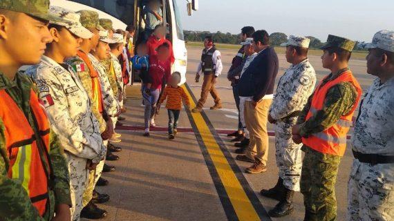 México deporta 329 hondureños capturados en la frontera sur