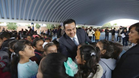Entrega Luis Nava obras en escuelas del municipio de Querétaro