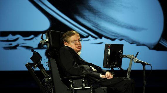El 8 de enero de 1942 nació el físico británico Stephen Hawking