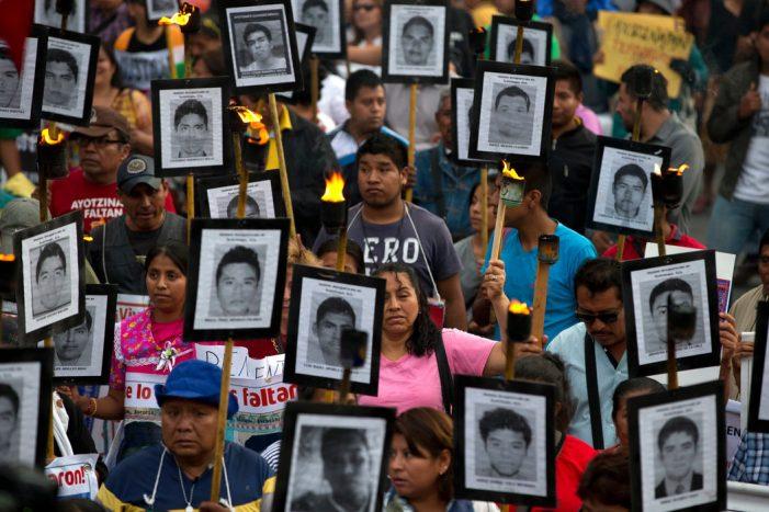 AMLO desea con toda su alma saber sobre el paradero de los normalistas de Ayotzinapa