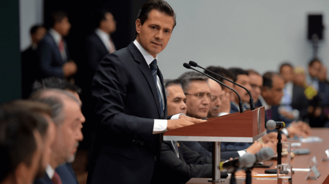 Presidencia exhibe a 36 periodistas que recibieron pagos millonarios en sexenio de EPN