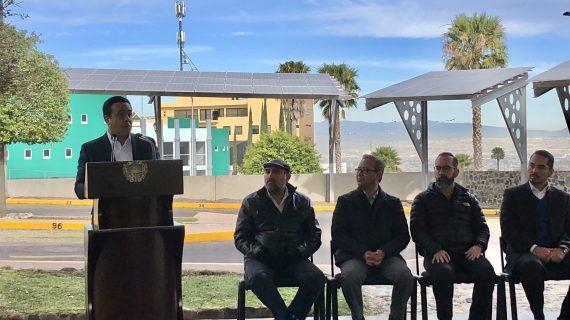 Instalan paneles solares en Centro Cívico de Querétaro