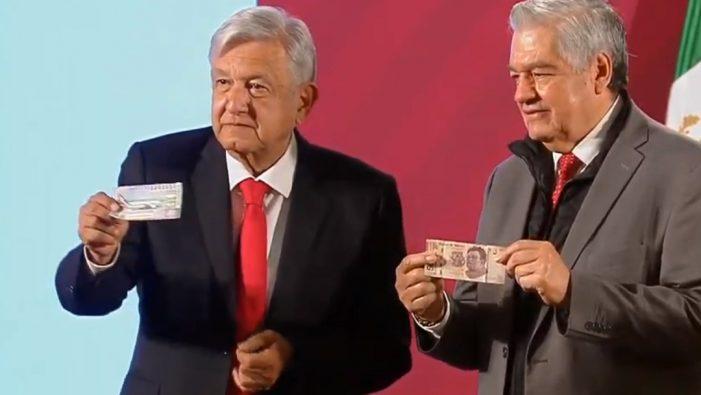 """AMLO compra su """"cachito"""" para la rifa de dinero equivalente al costo del avión presidencial"""