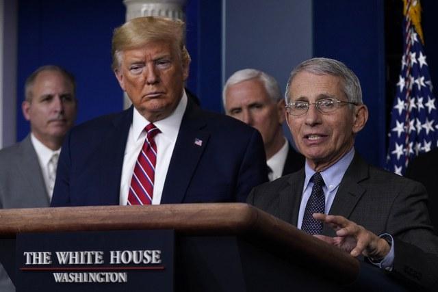 """Trump confirma cierre de frontera con México a vuelos """"no esenciales"""""""