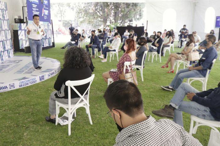 Luis Nava hace compromiso con la comunidad artística de Querétaro