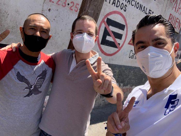 Ricardo Anaya respalda campaña de Felipe Fernando Macías en Querétaro