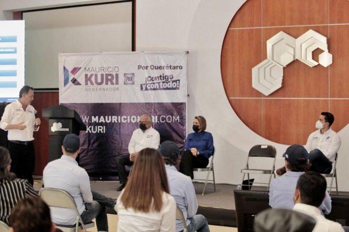 Mauricio Kuri se reúne con integrantes del Colegio de Arquitectos