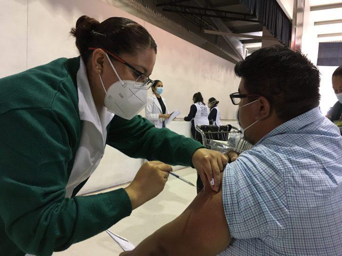 Querétaro vacunó contra COVID-19 a 95.27 por ciento del personal docente