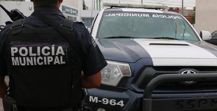 Policías evitan que un hombre atentara contra su vida