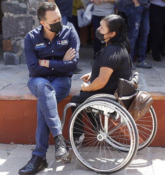 Mauricio Kuri González promete fortalecer atención a personas discapacitadas