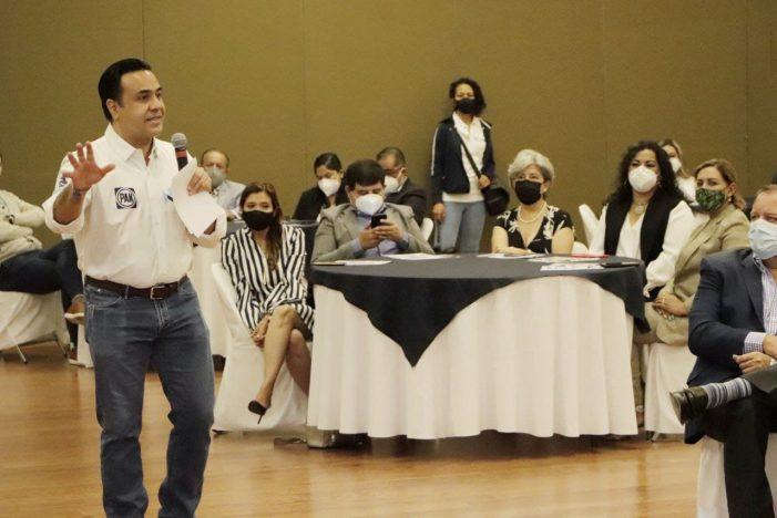 Luis Nava ofrece certeza al sector empresarial del municipio de Querétaro