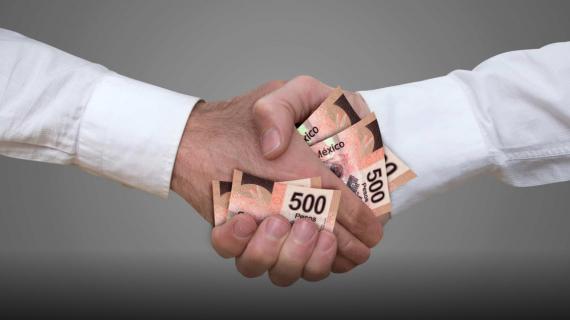 ¿A quién favorece el regreso a la corrupción y el mundo de privilegios en México?