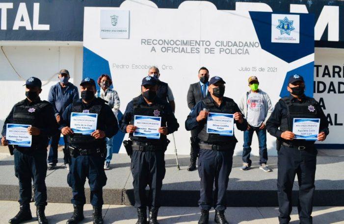 Tianguistas reconocen labor de seguridad en Pedro Escobedo