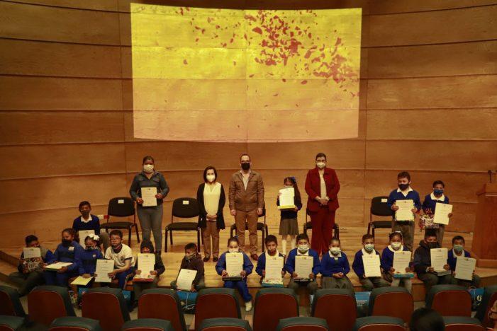 """Municipio de Querétaro premia a estudiantes ganadores de la campaña """"Nutrición y salud en familia"""""""