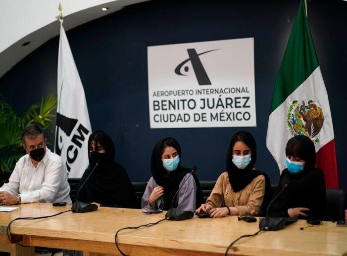 México recibe a primer grupo de refugiadas de Afganistán
